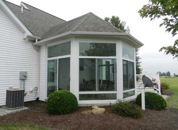 convert screen room to sunroom